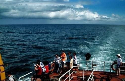 冠头岭一带常有国家一级保护动物白海豚出没